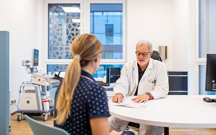 Gefaessklinik_Tsantilas_Augsburg_Patientengespräch